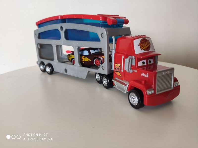Hot Wheels Araba & Mekanik Oyuncaklar